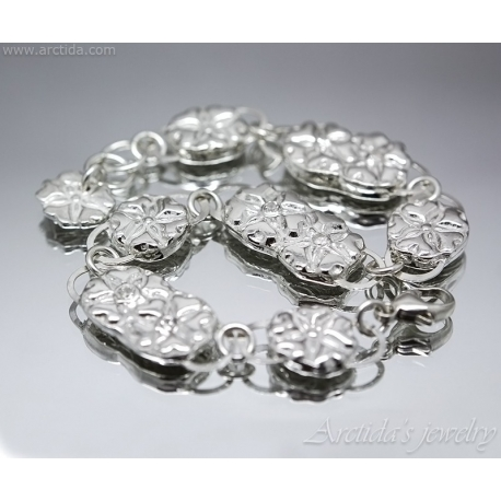Flower bracelet Fine silver and Cubic zirconia
